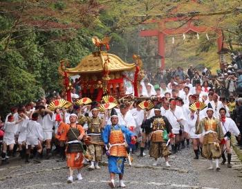 8353-日吉大社の山王祭 (350x273)