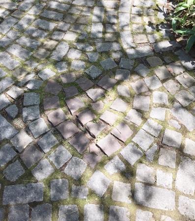 ハート石畳 (397x450)